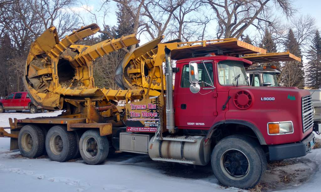 100 Inch Tree Spade - Trees On The Move Inc.
