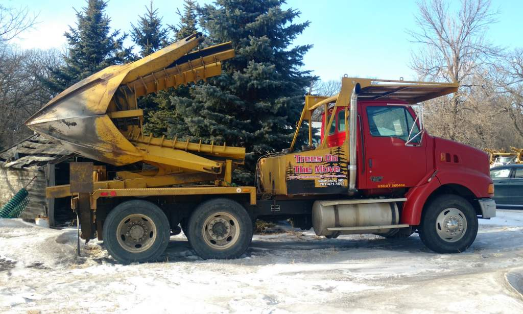 65 Inch Tree Spade - Trees On The Move Inc.